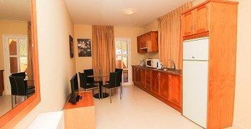 АПАРТАМЕНТЫ С ДВУМЯ СПАЛЬНЯМИ И БАЛКОНОМ  Coral Los Silos - Your Natural Accommodation Choice